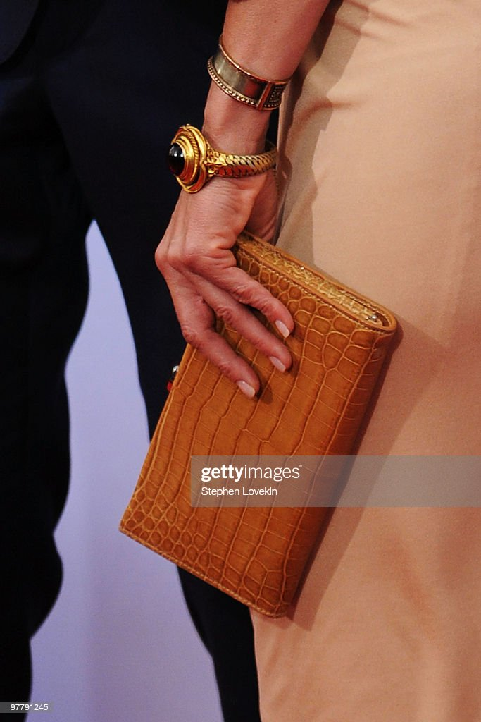 Actress <a gi-track='captionPersonalityLinkClicked' href=/galleries/search?phrase=Jennifer+Aniston&family=editorial&specificpeople=202048 ng-click='$event.stopPropagation()'>Jennifer Aniston</a> attends the premiere of 'The Bounty Hunter' at Ziegfeld Theatre on March 16, 2010 in New York, New York City.