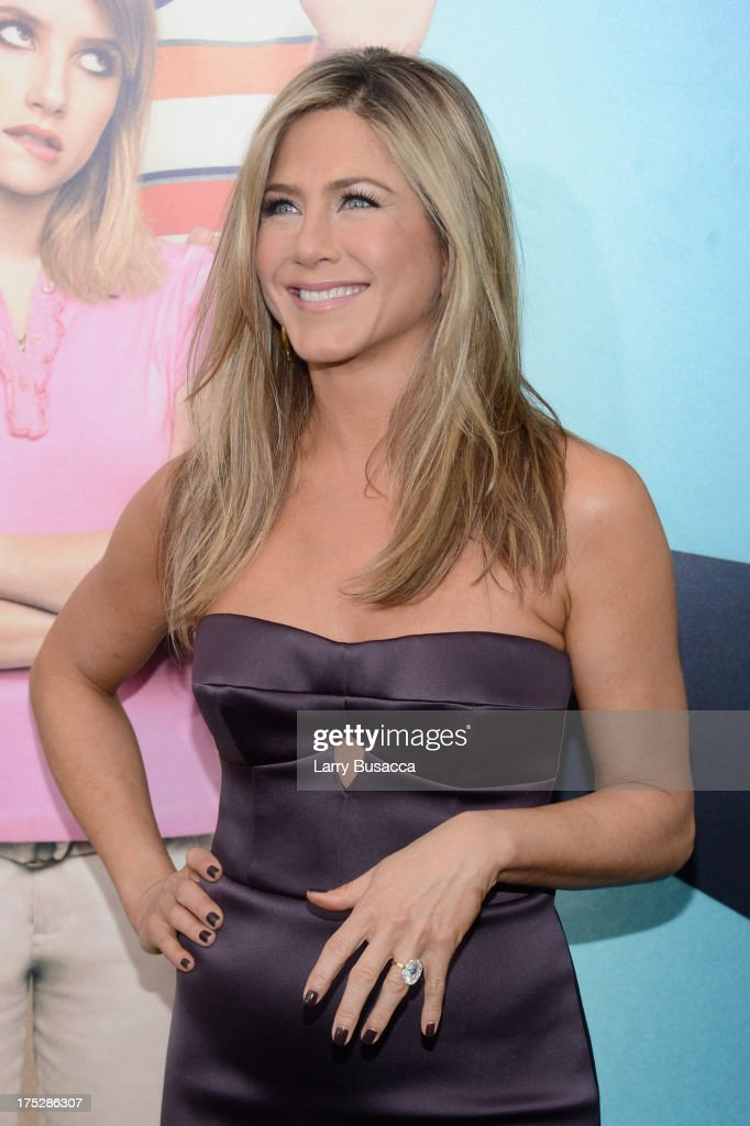 Actress <a gi-track='captionPersonalityLinkClicked' href=/galleries/search?phrase=Jennifer+Aniston&family=editorial&specificpeople=202048 ng-click='$event.stopPropagation()'>Jennifer Aniston</a> attends the 'We're The Millers' New York Premiere at Ziegfeld Theater on August 1, 2013 in New York City.