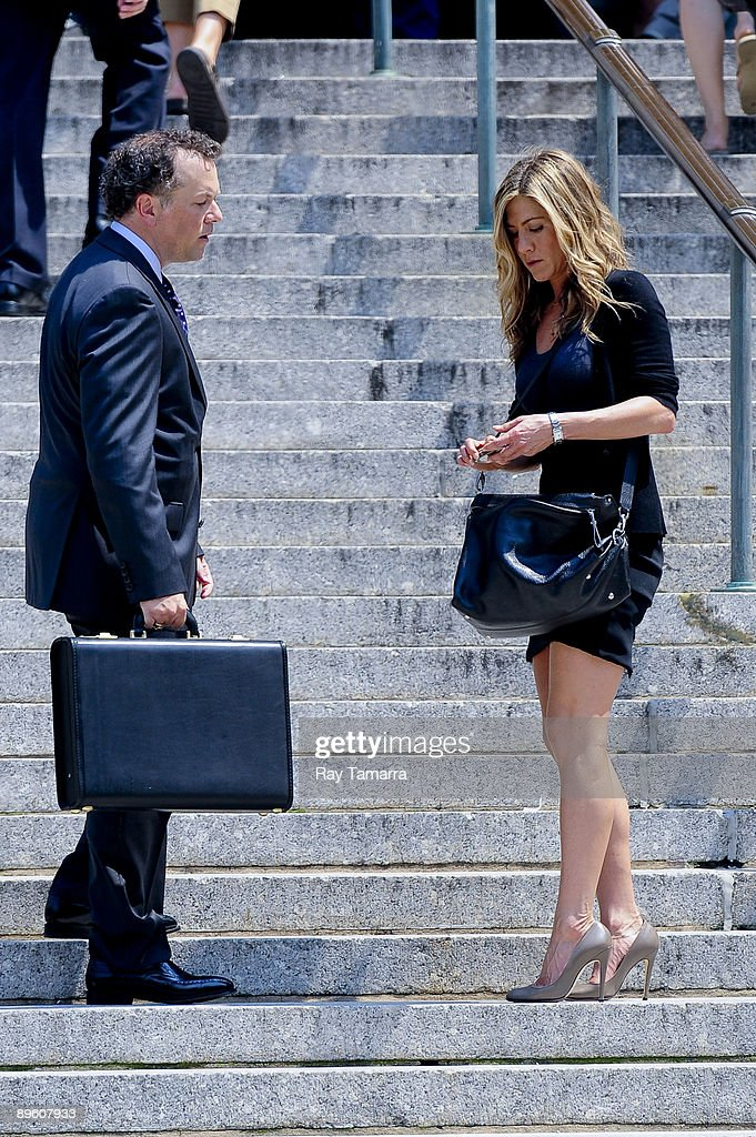 Actress <a gi-track='captionPersonalityLinkClicked' href=/galleries/search?phrase=Jennifer+Aniston&family=editorial&specificpeople=202048 ng-click='$event.stopPropagation()'>Jennifer Aniston</a> films a scene on the movie set of 'The Bounty' at the New York Supreme Court building on August 04, 2009 in New York City.