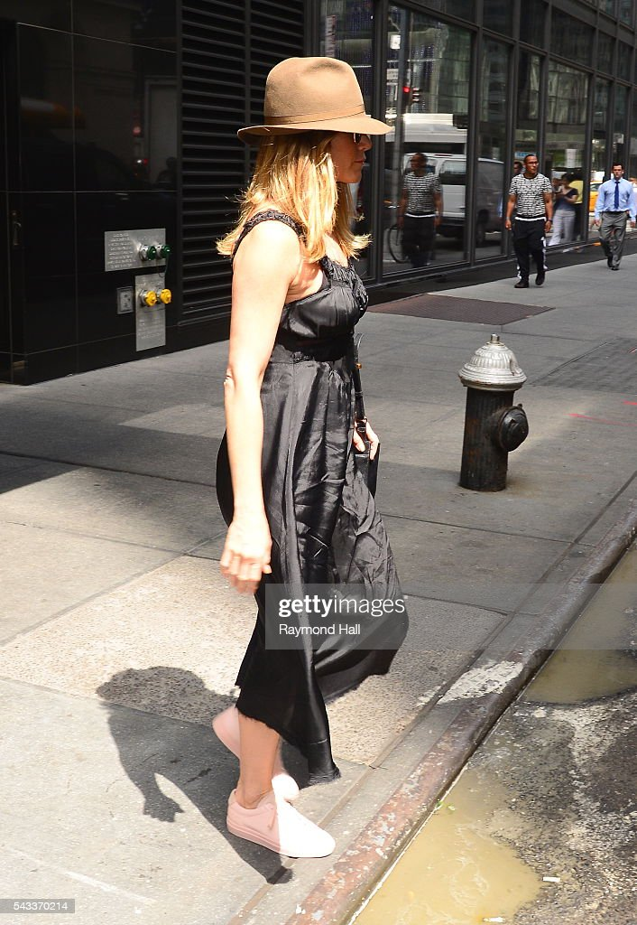 Actress <a gi-track='captionPersonalityLinkClicked' href=/galleries/search?phrase=Jennifer+Aniston&family=editorial&specificpeople=202048 ng-click='$event.stopPropagation()'>Jennifer Aniston</a> is seen in Soho on June 27, 2016 in New York City.