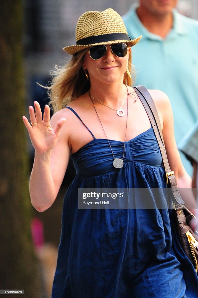 Actress <a gi-track='captionPersonalityLinkClicked' href=/galleries/search?phrase=Jennifer+Aniston&family=editorial&specificpeople=202048 ng-click='$event.stopPropagation()'>Jennifer Aniston</a> is seen on the set of 'Squirrels to the Nuts' on July 16, 2013 in New York City.