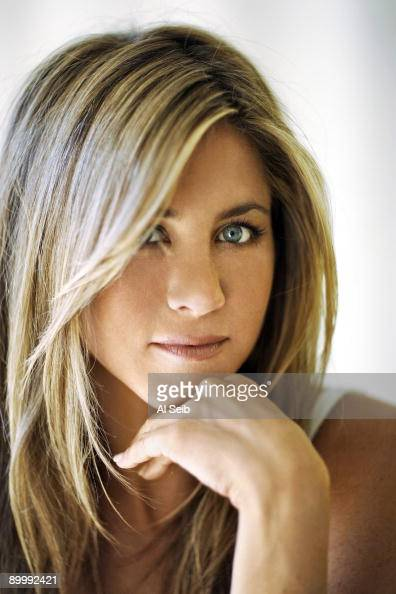 Actress Jennifer Aniston poses for a portrait session at her Beverly Hills office on October 7 2008 for the Los Angeles Times PUBLISHED IMAGE CREDIT...