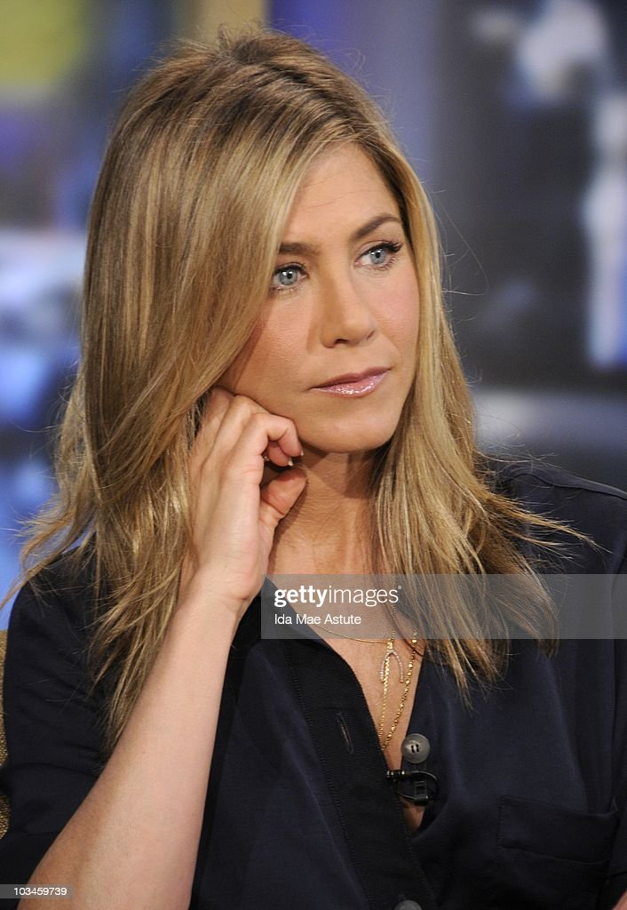 AMERICA - Actress Jennifer Aniston visits GOOD MORNING AMERICA, 8/19/10 airing on the ABC Television Network. GM10 (Photo by Ida Mae Astute/ABC via Getty Images) JENNIFER