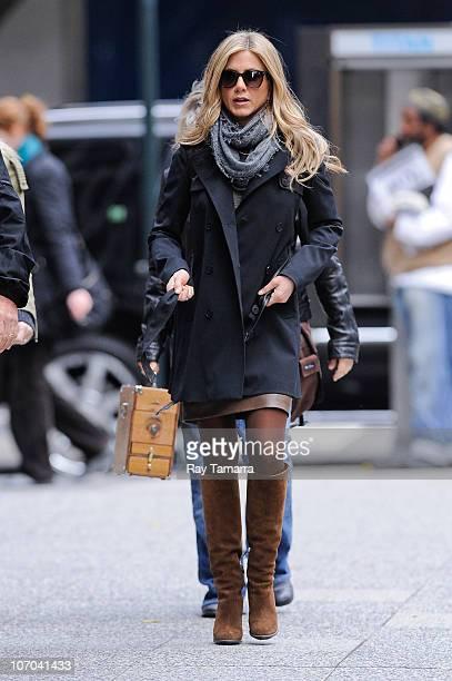 Actress Jennifer Aniston walks to the 'Wanderlust' movie set in Midtown Manhattan on November 20 2010 in New York City