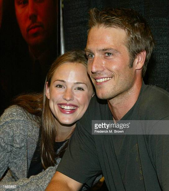 Actress Jennifer Garner and actor Michael Vartan attend the 'Alias Declassified The Official Companion' booksigning event at Barnes Noble at the...