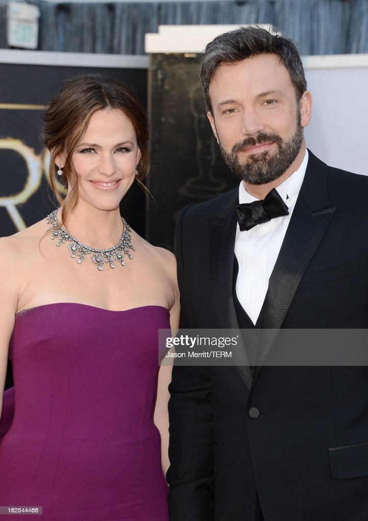 Actress <a gi-track='captionPersonalityLinkClicked' href=/galleries/search?phrase=Jennifer+Garner&family=editorial&specificpeople=201813 ng-click='$event.stopPropagation()'>Jennifer Garner</a> and actor-director <a gi-track='captionPersonalityLinkClicked' href=/galleries/search?phrase=Ben+Affleck&family=editorial&specificpeople=201856 ng-click='$event.stopPropagation()'>Ben Affleck</a> arrive at the Oscars at Hollywood & Highland Center on February 24, 2013 in Hollywood, California.