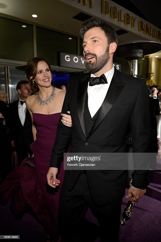 Actress Jennifer Garner and Ben Affleck, winner of the Best Picture award for 'Argo' attend the Oscars Governors Ball at Hollywood & Highland Center on February 24, 2013 in Hollywood, California.