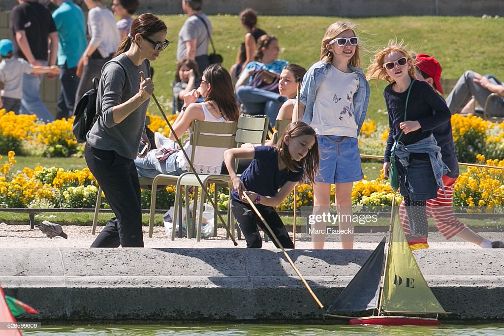 Actress Jennifer Garner and daughter Seraphina Affleck are seen at 'Jardins du Luxembourg' on May 6, 2016 in Paris, France.