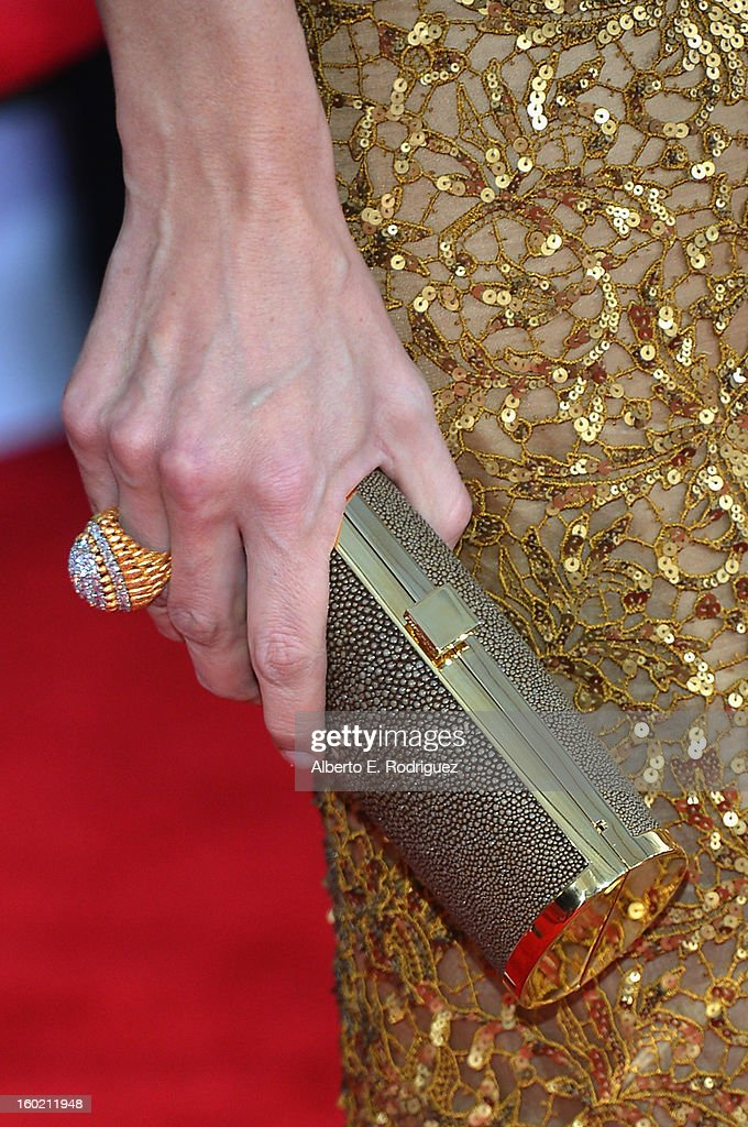 Actress Jennifer Garner (fashion detail) arrives at the 19th Annual Screen Actors Guild Awards held at The Shrine Auditorium on January 27, 2013 in Los Angeles, California.