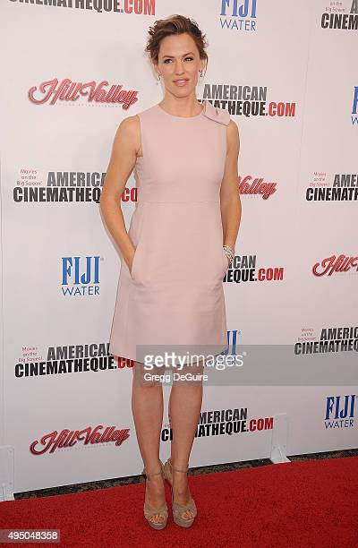 Actress Jennifer Garner arrives at the 29th American Cinematheque Award honoring Reese Witherspoon at the Hyatt Regency Century Plaza on October 30...