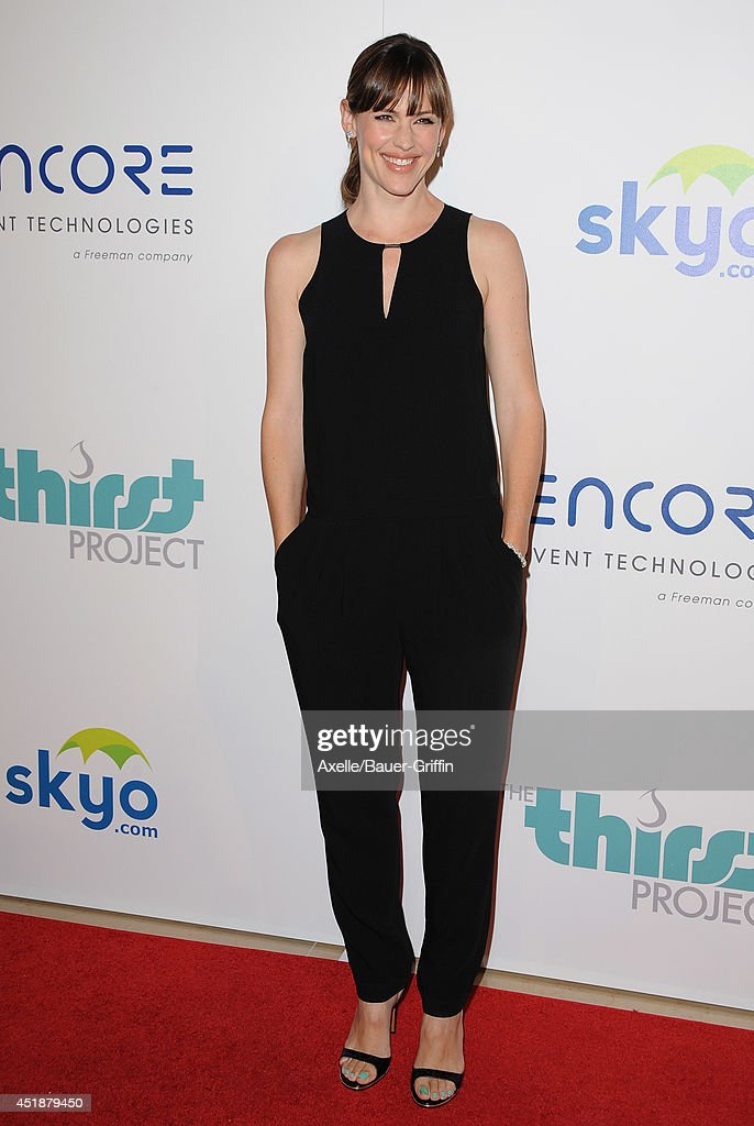 Actress <a gi-track='captionPersonalityLinkClicked' href=/galleries/search?phrase=Jennifer+Garner&family=editorial&specificpeople=201813 ng-click='$event.stopPropagation()'>Jennifer Garner</a> arrives at the 5th Annual Thirst Gala at The Beverly Hilton Hotel on June 24, 2014 in Beverly Hills, California.
