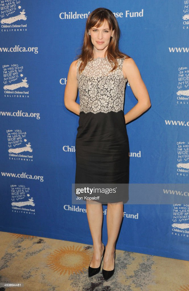 Actress <a gi-track='captionPersonalityLinkClicked' href=/galleries/search?phrase=Jennifer+Garner&family=editorial&specificpeople=201813 ng-click='$event.stopPropagation()'>Jennifer Garner</a> arrives at the Children's Defense Fund 23rd Annual Beat The Odds Awards at Beverly Hills Hotel on December 5, 2013 in Beverly Hills, California.