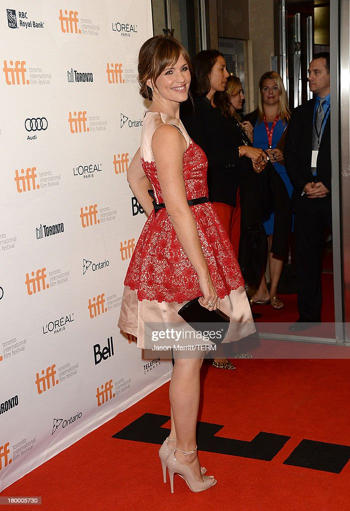 Actress Jennifer Garner arrives at the 'Dallas Buyers Club' premiere during the 2013 Toronto International Film Festival at Princess of Wales Theatre on September 7, 2013 in Toronto, Canada.