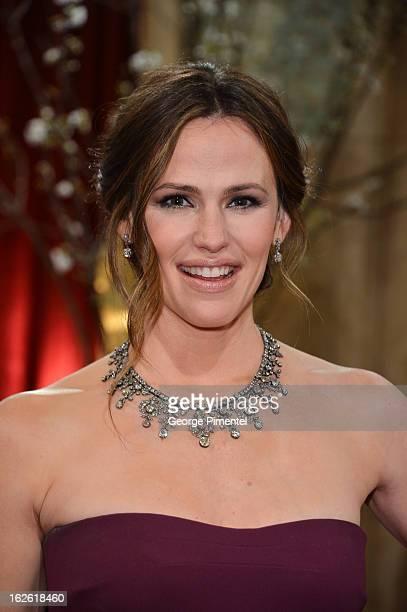 Actress Jennifer Garner arrives at the Oscars at Hollywood Highland Center on February 24 2013 in Hollywood California at Hollywood Highland Center...