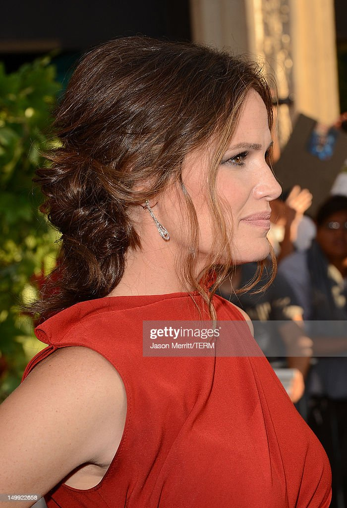 Actress Jennifer Garner arrives at the premiere of Walt Disney Pictures' 'The Odd Life of Timothy Green' held at the El Capitan Theatre on August 6, 2012 in Hollywood, California.