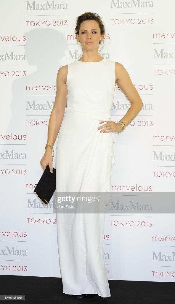 Actress Jennifer Garner attends a photocall of Marvelous Max Mara Tokyo 2013 at Ryogoku Kokugikan on November 5, 2013 in Tokyo, Japan.