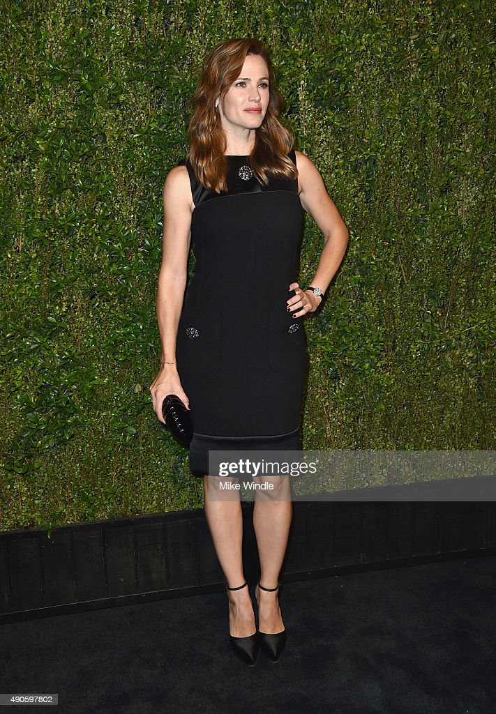 Actress <a gi-track='captionPersonalityLinkClicked' href=/galleries/search?phrase=Jennifer+Garner&family=editorial&specificpeople=201813 ng-click='$event.stopPropagation()'>Jennifer Garner</a> attends CHANEL Dinner in Honor of Baby2Baby at CHANEL Boutique on September 29, 2015 in Los Angeles, California.