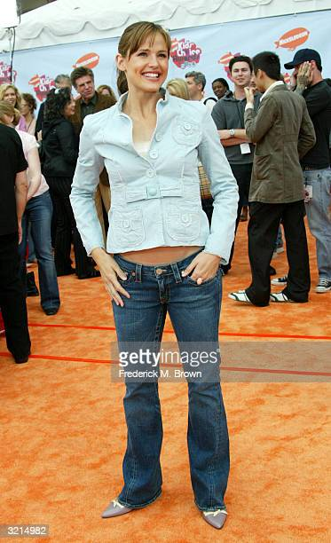 Actress Jennifer Garner attends Nickelodeon's 17th Annual Kids' Choice Awards at Pauley Pavilion on the campus of UCLA April 3 2004 in Westwood...