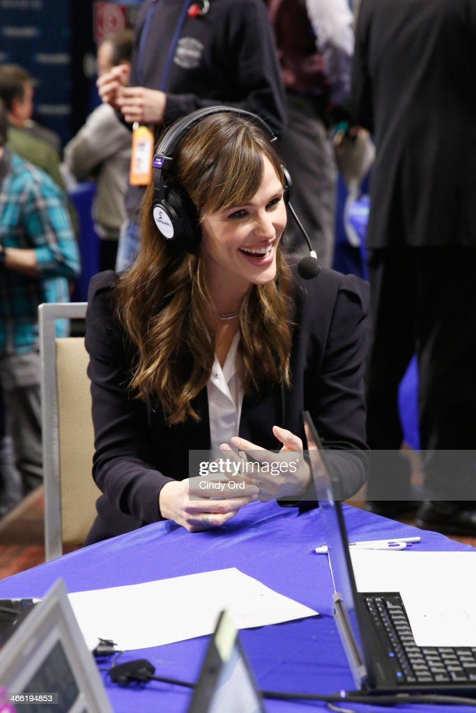 Actress <a gi-track='captionPersonalityLinkClicked' href=/galleries/search?phrase=Jennifer+Garner&family=editorial&specificpeople=201813 ng-click='$event.stopPropagation()'>Jennifer Garner</a> attends SiriusXM At Super Bowl XLVIII Radio Row on January 31, 2014 in New York City.