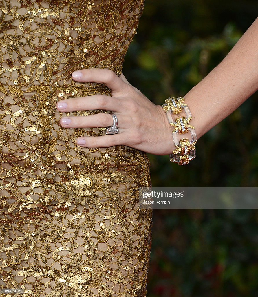Actress Jennifer Garner attends the 19th Annual Screen Actors Guild Awards at The Shrine Auditorium on January 27, 2013 in Los Angeles, California.
