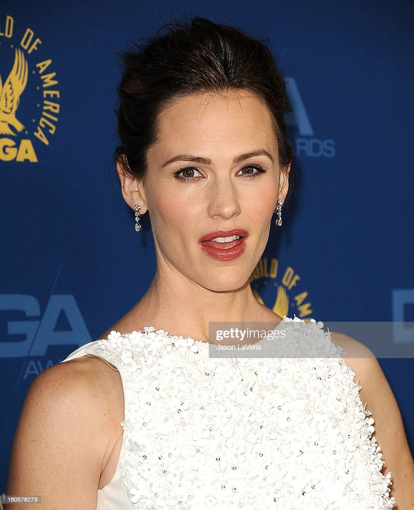 Actress <a gi-track='captionPersonalityLinkClicked' href=/galleries/search?phrase=Jennifer+Garner&family=editorial&specificpeople=201813 ng-click='$event.stopPropagation()'>Jennifer Garner</a> attends the 65th annual Directors Guild Of America Awards at The Ray Dolby Ballroom at Hollywood & Highland Center on February 2, 2013 in Hollywood, California.