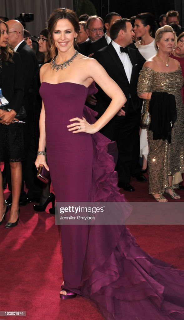 Actress Jennifer Garner attends the 85th Annual Academy Awards at Hollywood & Highland Center on February 24, 2013 in Hollywood, California.