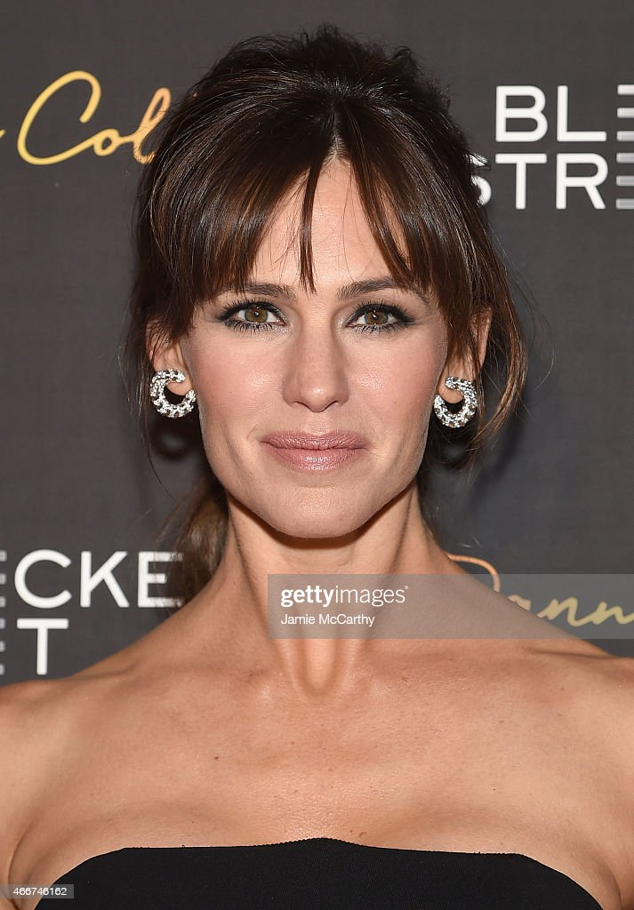 Actress <a gi-track='captionPersonalityLinkClicked' href=/galleries/search?phrase=Jennifer+Garner&family=editorial&specificpeople=201813 ng-click='$event.stopPropagation()'>Jennifer Garner</a> attends the 'Danny Collins' New York premiere at AMC Lincoln Square Theater on March 18, 2015 in New York City.