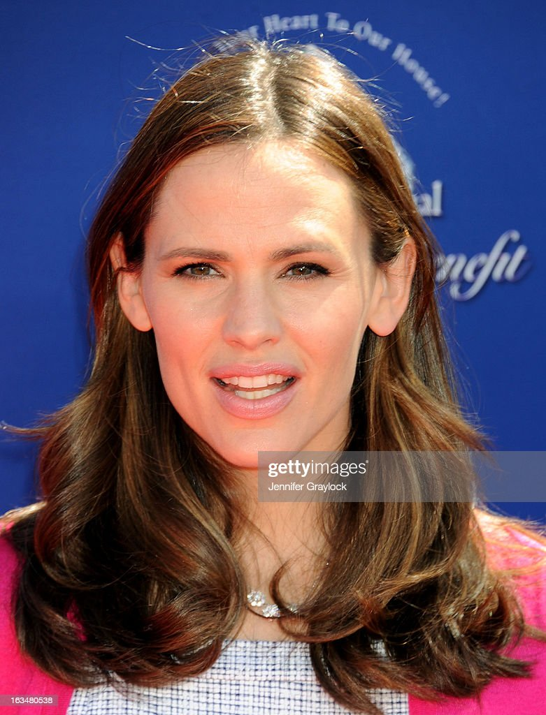 Actress <a gi-track='captionPersonalityLinkClicked' href=/galleries/search?phrase=Jennifer+Garner&family=editorial&specificpeople=201813 ng-click='$event.stopPropagation()'>Jennifer Garner</a> attends the John Varvatos 10th Annual Stuart House Benefit held at John Varvatos Los Angeles store on March 10, 2013 in Los Angeles, California.