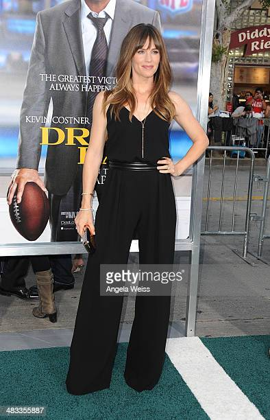 Actress Jennifer Garner attends the premiere of Summit Entertainment's 'Draft Day' presented by Bud Light at the Regency Bruin Theatre on April 7...