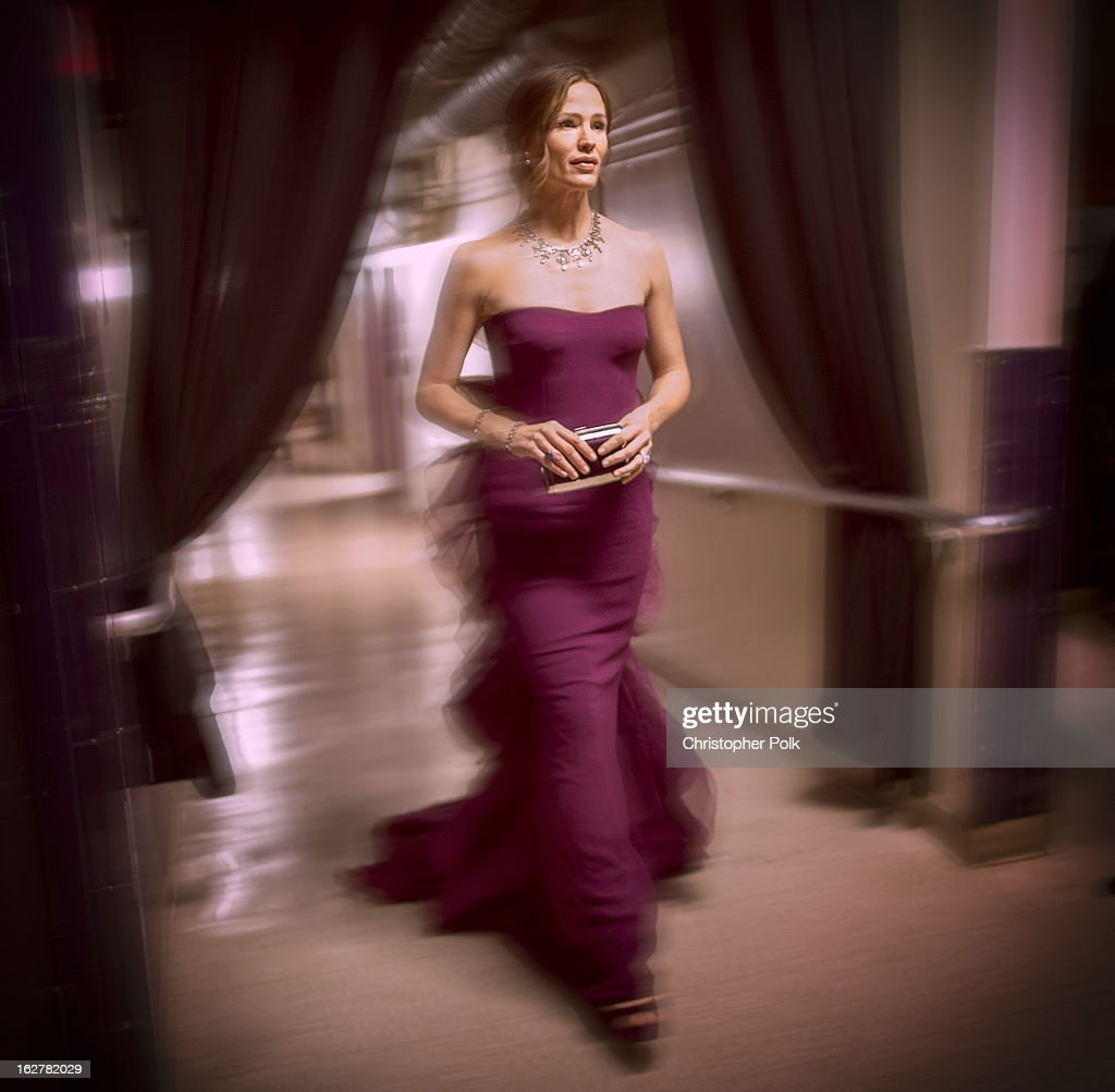 Actress <a gi-track='captionPersonalityLinkClicked' href=/galleries/search?phrase=Jennifer+Garner&family=editorial&specificpeople=201813 ng-click='$event.stopPropagation()'>Jennifer Garner</a> backstage during the Oscars held at the Dolby Theatre on February 24, 2013 in Hollywood, California.