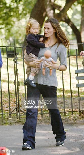 Actress Jennifer Garner holds her daugther daughter Violet in Central Park October 15 2007 in New York City