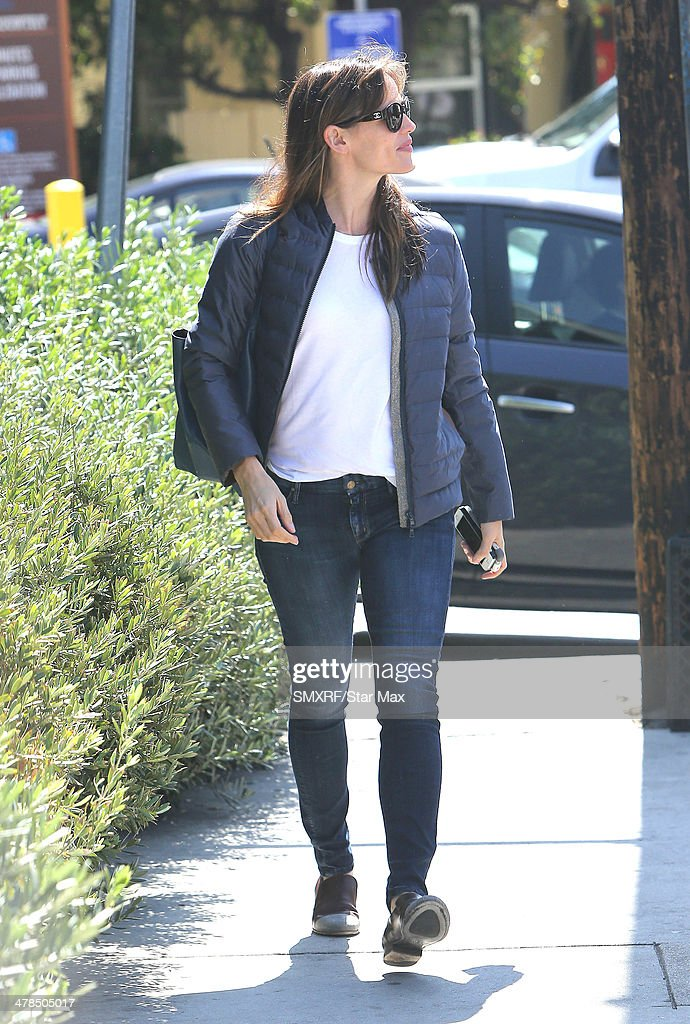Actress <a gi-track='captionPersonalityLinkClicked' href=/galleries/search?phrase=Jennifer+Garner&family=editorial&specificpeople=201813 ng-click='$event.stopPropagation()'>Jennifer Garner</a> is seen on March 13, 2014 in Los Angeles, California.