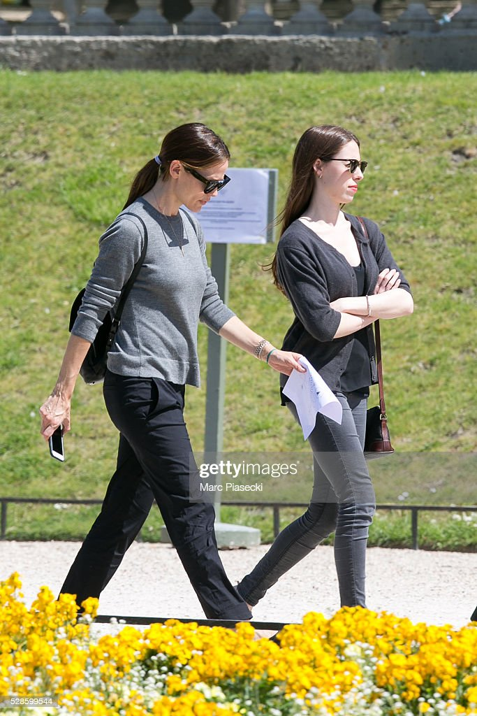 Actress Jennifer Garner (L) is seen strolling at 'Jardins du Luxembourg' on May 6, 2016 in Paris, France.
