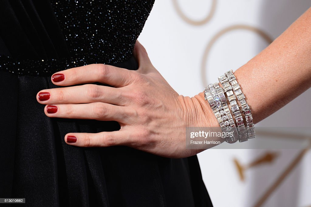 Actress Jennifer Garner jewlrey detail attends the 88th Annual Academy Awards at Hollywood Highland Center on February 28 2016 in Hollywood California