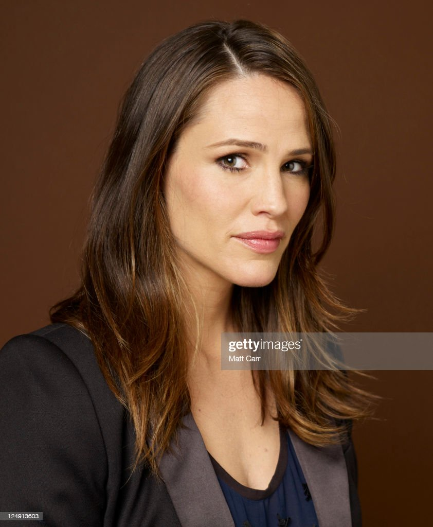 Actress <a gi-track='captionPersonalityLinkClicked' href=/galleries/search?phrase=Jennifer+Garner&family=editorial&specificpeople=201813 ng-click='$event.stopPropagation()'>Jennifer Garner</a> of 'Butter' poses during the 2011 Toronto International Film Festival at the Guess Portrait Studio on September 13, 2011 in Toronto, Canada.