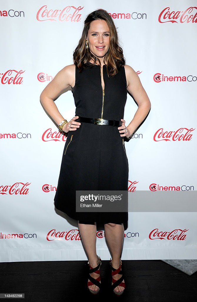 Actress <a gi-track='captionPersonalityLinkClicked' href=/galleries/search?phrase=Jennifer+Garner&family=editorial&specificpeople=201813 ng-click='$event.stopPropagation()'>Jennifer Garner</a>, recipient of the Female Star of the Year Award, arrives at the CinemaCon awards ceremony at Pure Nightclub at Caesars Palace on April 26, 2012 in Las Vegas, Nevada. CinemaCon is the official convention of the National Association of Theatre Owners.