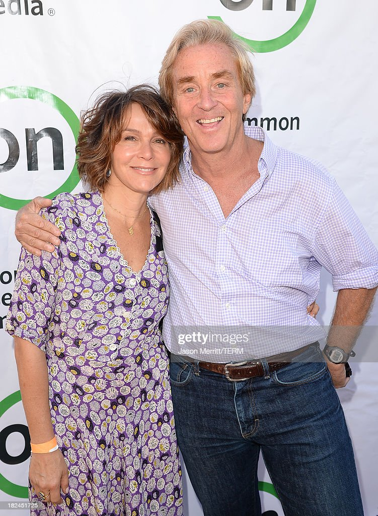Actress <a gi-track='captionPersonalityLinkClicked' href=/galleries/search?phrase=Jennifer+Grey&family=editorial&specificpeople=220265 ng-click='$event.stopPropagation()'>Jennifer Grey</a> and Ceo Jim Steyer of Common Sense Media attend the 2nd Annual GameOn! fundraiser hosted by Common Sense Media at Sony Pictures Studios on September 29, 2013 in Culver City, California.