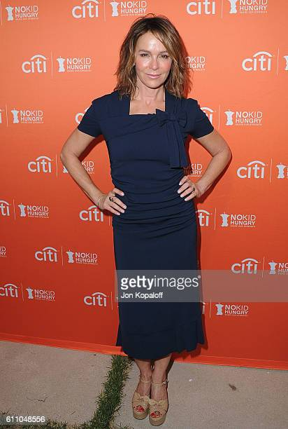 Actress Jennifer Grey arrives at the Los Angeles' No Kid Hungry Dinner on September 28 2016 in Los Angeles California