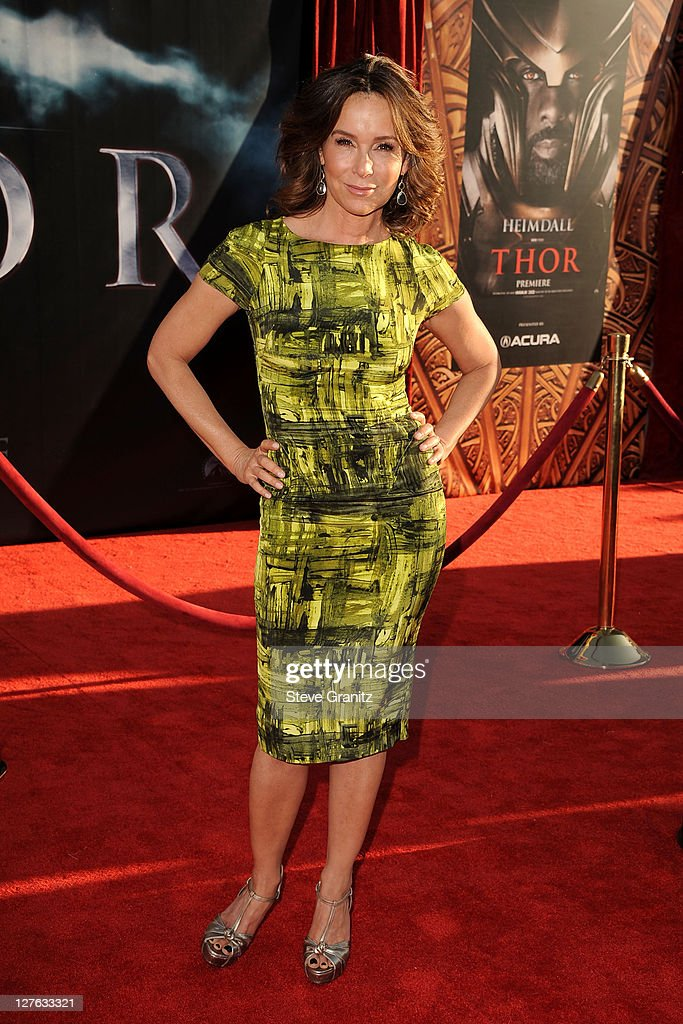 Actress <a gi-track='captionPersonalityLinkClicked' href=/galleries/search?phrase=Jennifer+Grey&family=editorial&specificpeople=220265 ng-click='$event.stopPropagation()'>Jennifer Grey</a> arrives at the Los Angeles premiere of 'Thor' at the El Capitan Theatre on May 2, 2011 in Hollywood, California.