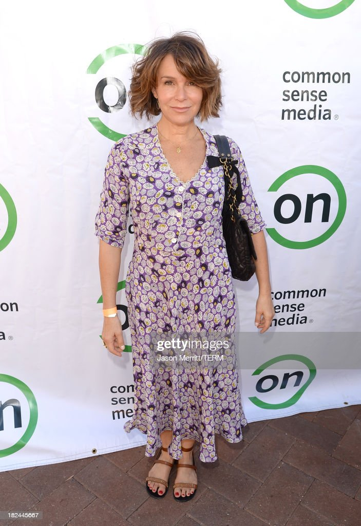 Actress Jennifer Grey attends the 2nd Annual GameOn! fundraiser hosted by Common Sense Media at Sony Pictures Studios on September 29, 2013 in Culver City, California.