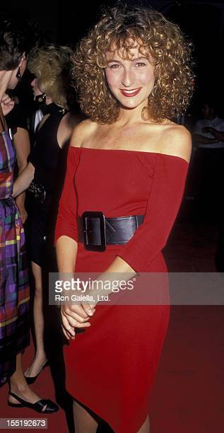 Actress Jennifer Grey attends the premiere of 'Dirty Dancing' on August 17 1987 at the Gemini Theater in New York City