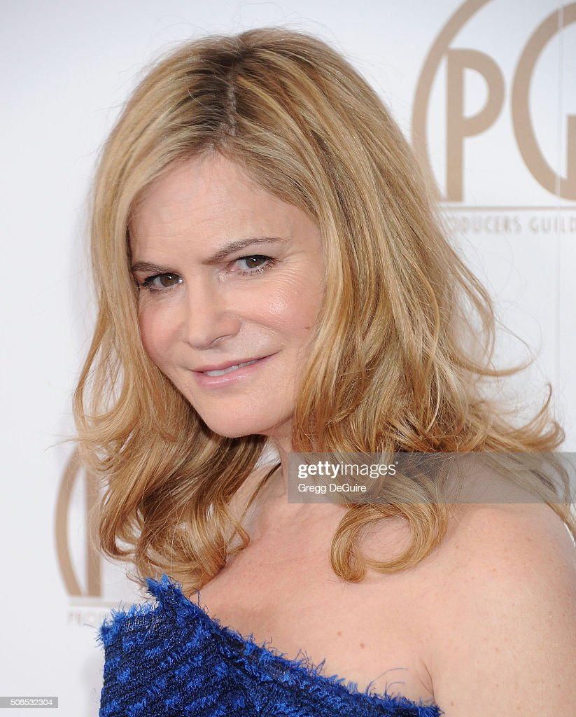 Actress Jennifer Jason Leigh arrives at the 27th Annual Producers Guild Awards at the Hyatt Regency Century Plaza on January 23, 2016 in Century City, California.