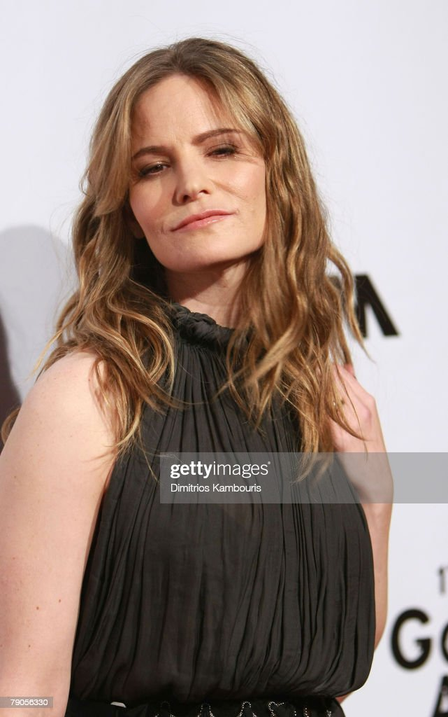 Actress <a gi-track='captionPersonalityLinkClicked' href=/galleries/search?phrase=Jennifer+Jason+Leigh&family=editorial&specificpeople=208958 ng-click='$event.stopPropagation()'>Jennifer Jason Leigh</a> attends the 17th Annual Gotham Awards presented by IFP at Steiner Studios on November 27, 2007 in Brooklyn, NY.