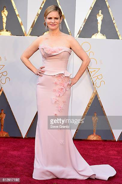 Actress Jennifer Jason Leigh attends the 88th Annual Academy Awards at Hollywood Highland Center on February 28 2016 in Hollywood California