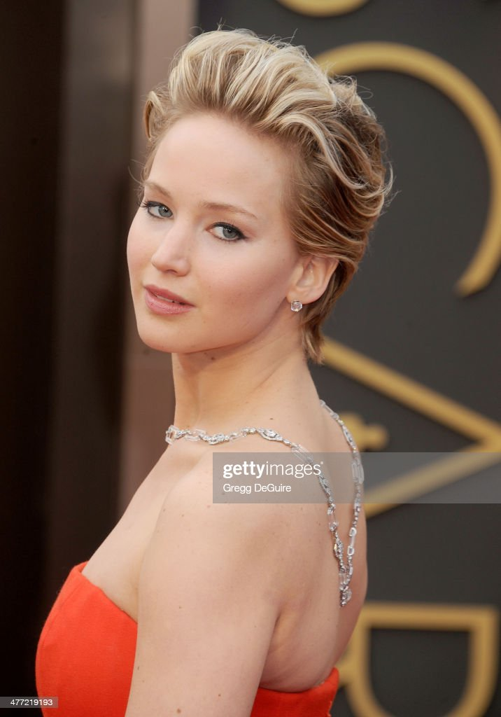 Actress <a gi-track='captionPersonalityLinkClicked' href=/galleries/search?phrase=Jennifer+Lawrence&family=editorial&specificpeople=1596040 ng-click='$event.stopPropagation()'>Jennifer Lawrence</a> arrives at the 86th Annual Academy Awards at Hollywood & Highland Center on March 2, 2014 in Hollywood, California.