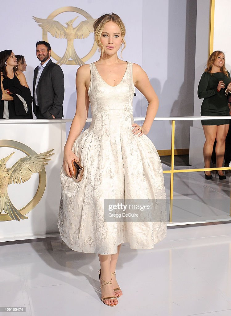 Actress <a gi-track='captionPersonalityLinkClicked' href=/galleries/search?phrase=Jennifer+Lawrence&family=editorial&specificpeople=1596040 ng-click='$event.stopPropagation()'>Jennifer Lawrence</a> arrives at the Los Angeles premiere of 'The Hunger Games: Mockingjay - Part 1' at Nokia Theatre L.A. Live on November 17, 2014 in Los Angeles, California.