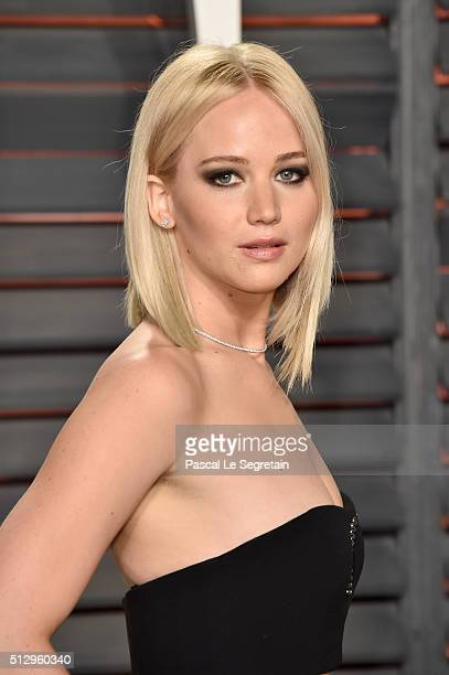 Actress Jennifer Lawrence attends the 2016 Vanity Fair Oscar Party Hosted By Graydon Carter at the Wallis Annenberg Center for the Performing Arts on...