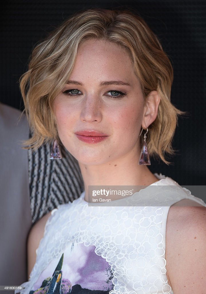 Actress <a gi-track='captionPersonalityLinkClicked' href=/galleries/search?phrase=Jennifer+Lawrence&family=editorial&specificpeople=1596040 ng-click='$event.stopPropagation()'>Jennifer Lawrence</a> attends 'The Hunger Games: Mockingjay Part 1' photocall at the 67th Annual Cannes Film Festival on May 17, 2014 in Cannes, France.