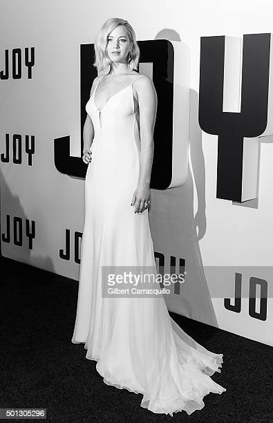Actress Jennifer Lawrence attends the 'Joy' New York premiere at Ziegfeld Theater on December 13 2015 in New York City