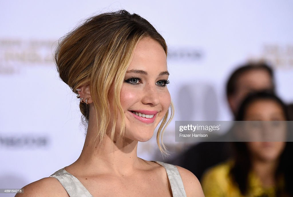 Actress <a gi-track='captionPersonalityLinkClicked' href=/galleries/search?phrase=Jennifer+Lawrence&family=editorial&specificpeople=1596040 ng-click='$event.stopPropagation()'>Jennifer Lawrence</a> attends the premiere of Lionsgate's 'The Hunger Games: Mockingjay - Part 1' at Nokia Theatre L.A. Live on November 17, 2014 in Los Angeles, California.